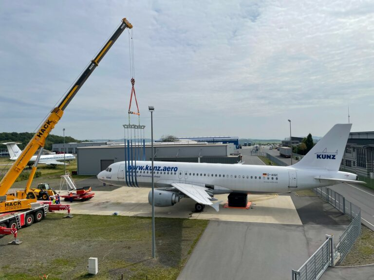 Lifting Slings, Recovery, ResQtec, AMS, Pronal, Slings, Disabled aircraft, Airbus, Boeing